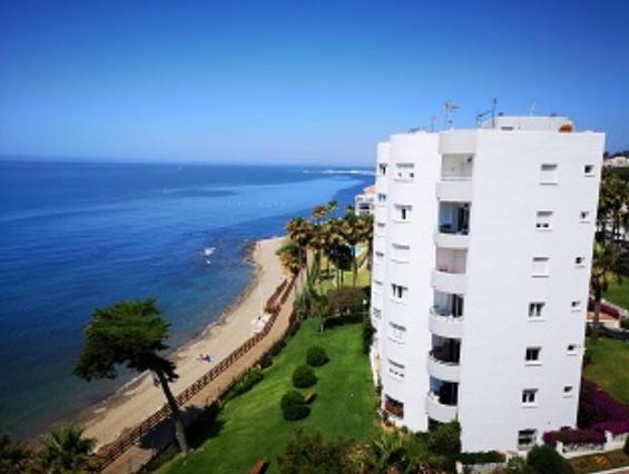 Top floor apartment in Calahonda, Mijas Costa
