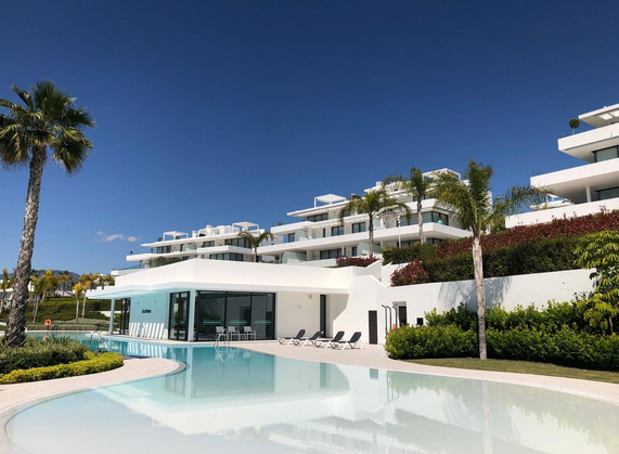 Apartment for sale in Atalaya, Estepona