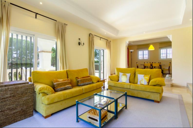 Villa for sale in Mijas
