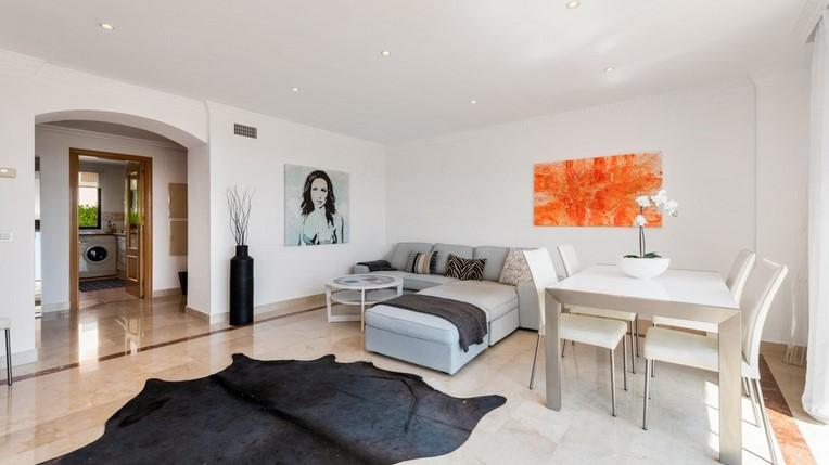 Penthouse for sale in Benahavis