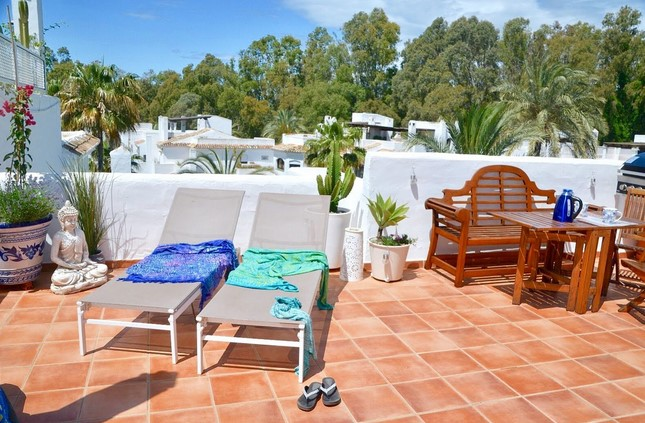 Penthouse for sale in Elviria