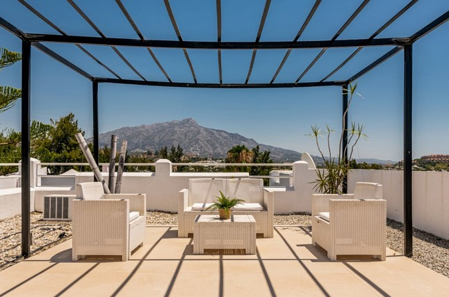 Penthouse Apartment for sale in La Quinta, Nueva Andalucia