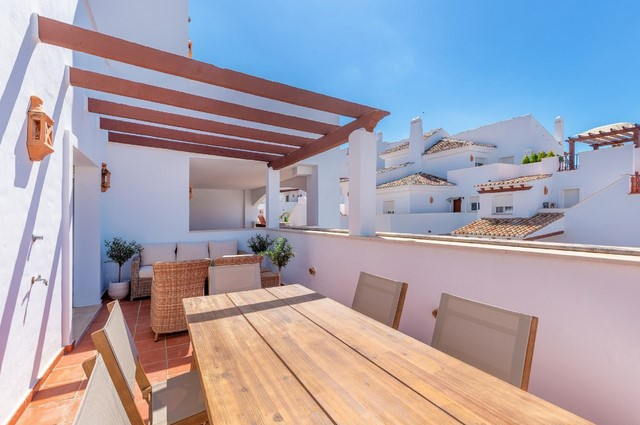 Apartments, Penthouses for sale in Nueva Andalucia