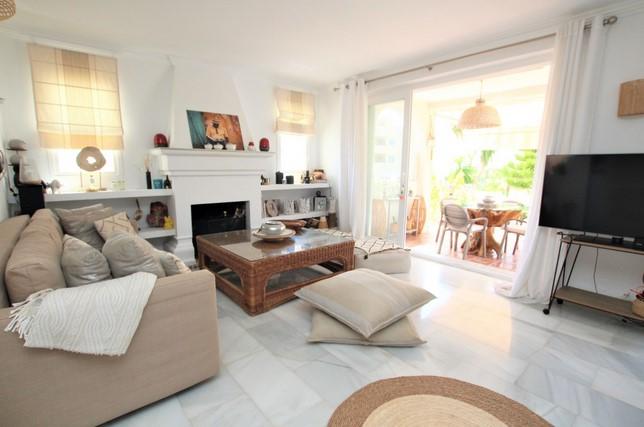 Villa for sale in Calahonda, Mijas