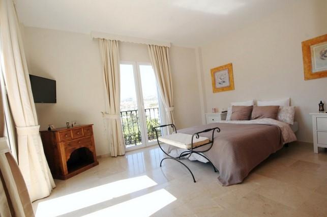 Villa for sale in Riviera del Sol, Mijas