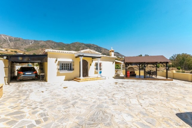Finca for sale in Mijas Costa