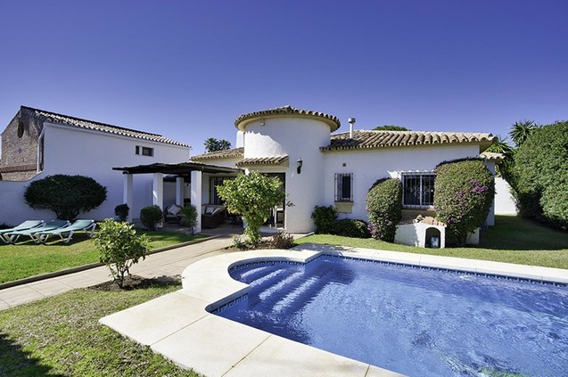 Villa for sale in San Pedro De Alcantara