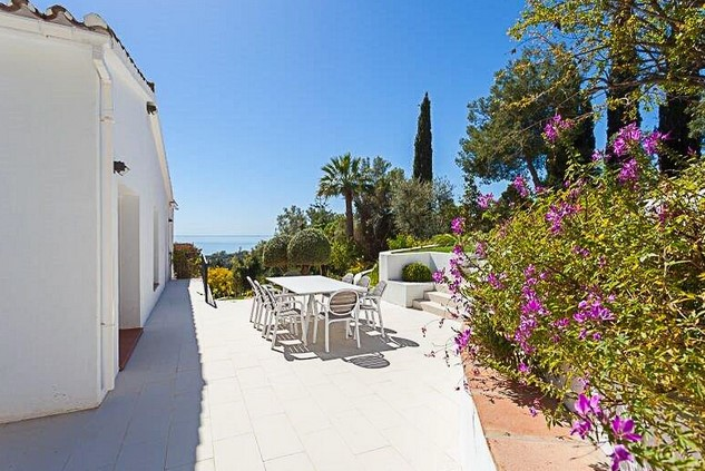 Villa for sale in El Rosario, Elviria