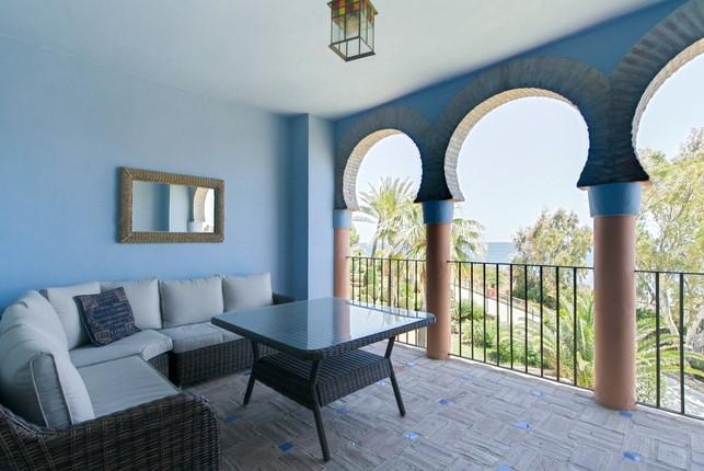 Superb Penthouse in Las Casares, Estepona