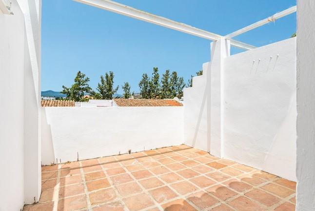 Town house for sale in El Paraiso, Estepona