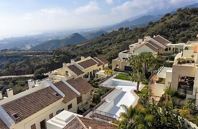 Apartment for sale in Altos de Los Monteros, Marbella