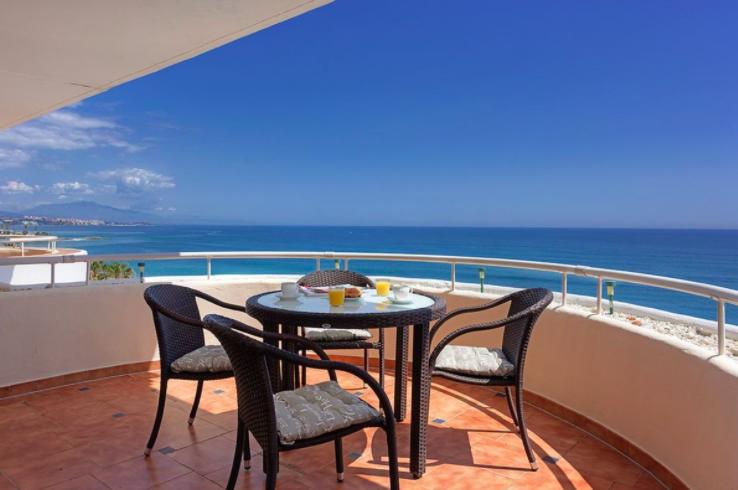 Beachfront Penthouse in Estepona
