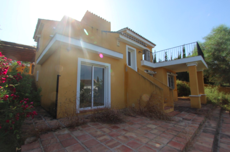 Investment Opportunity, Villa in Elviria, Marbella
