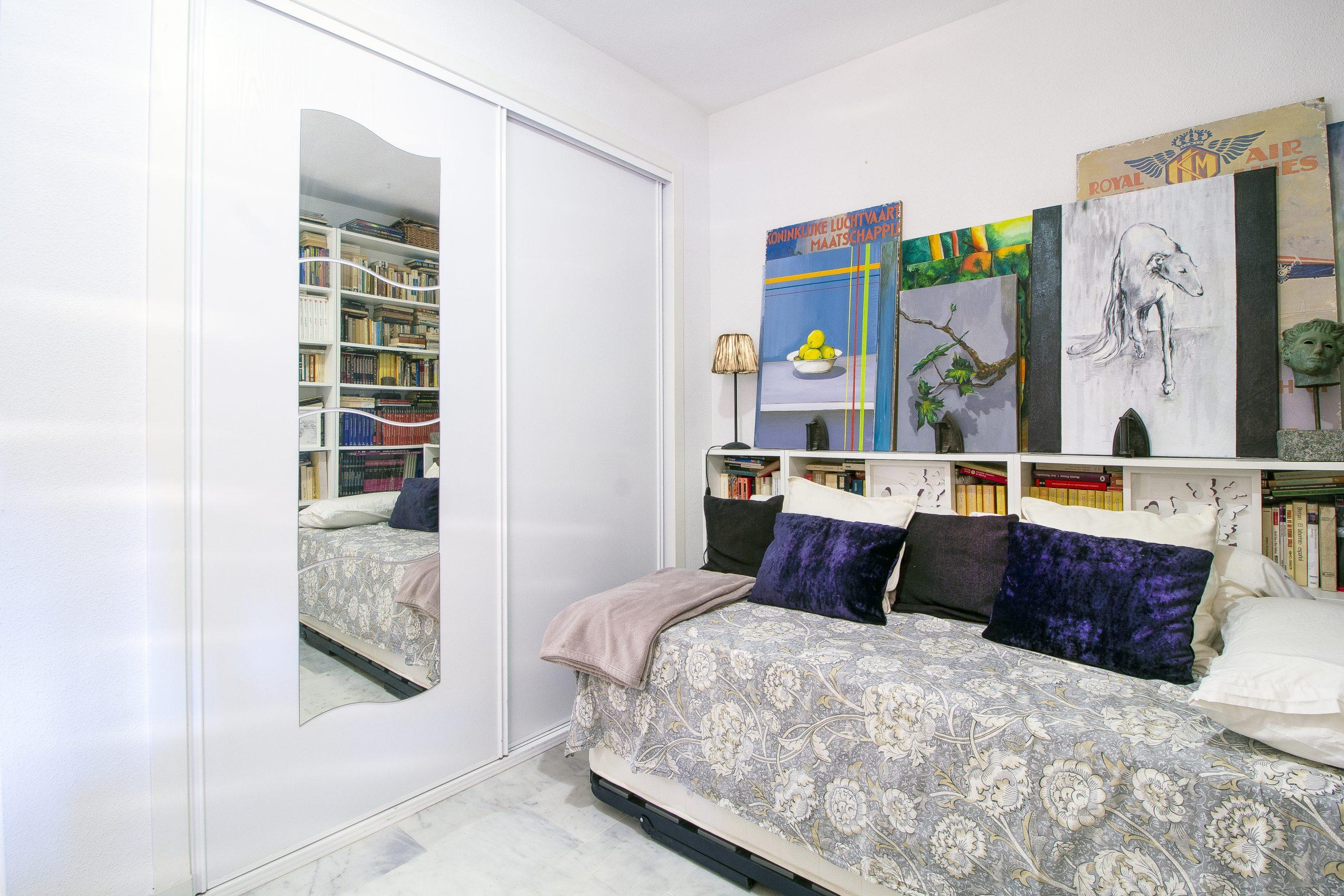 Apartment with sea views in Las Chapas, Marbella