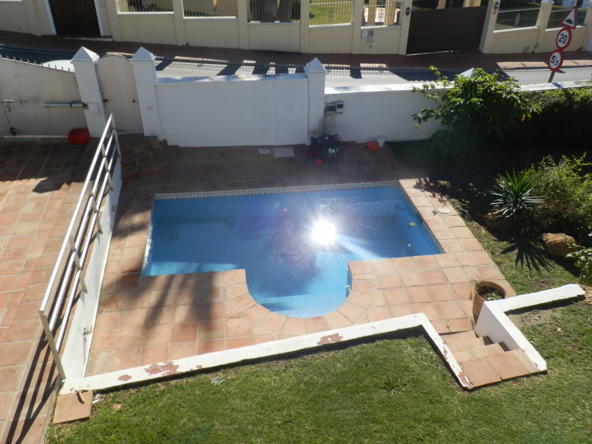 South-Facing Villa in Nueva Andalucía