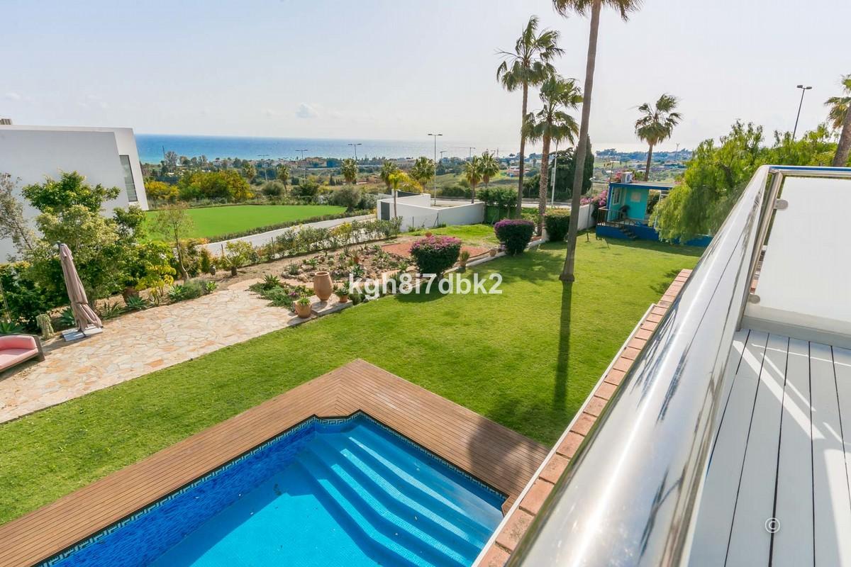 South-Facing Villa with Sea Views in Estepona