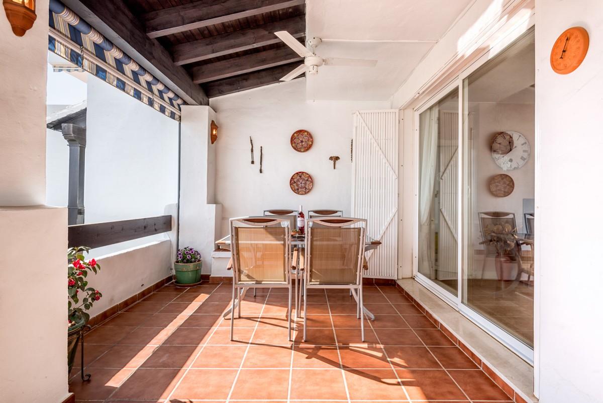 South-Facing Apartment with Sea Views in Calahonda, Marbella