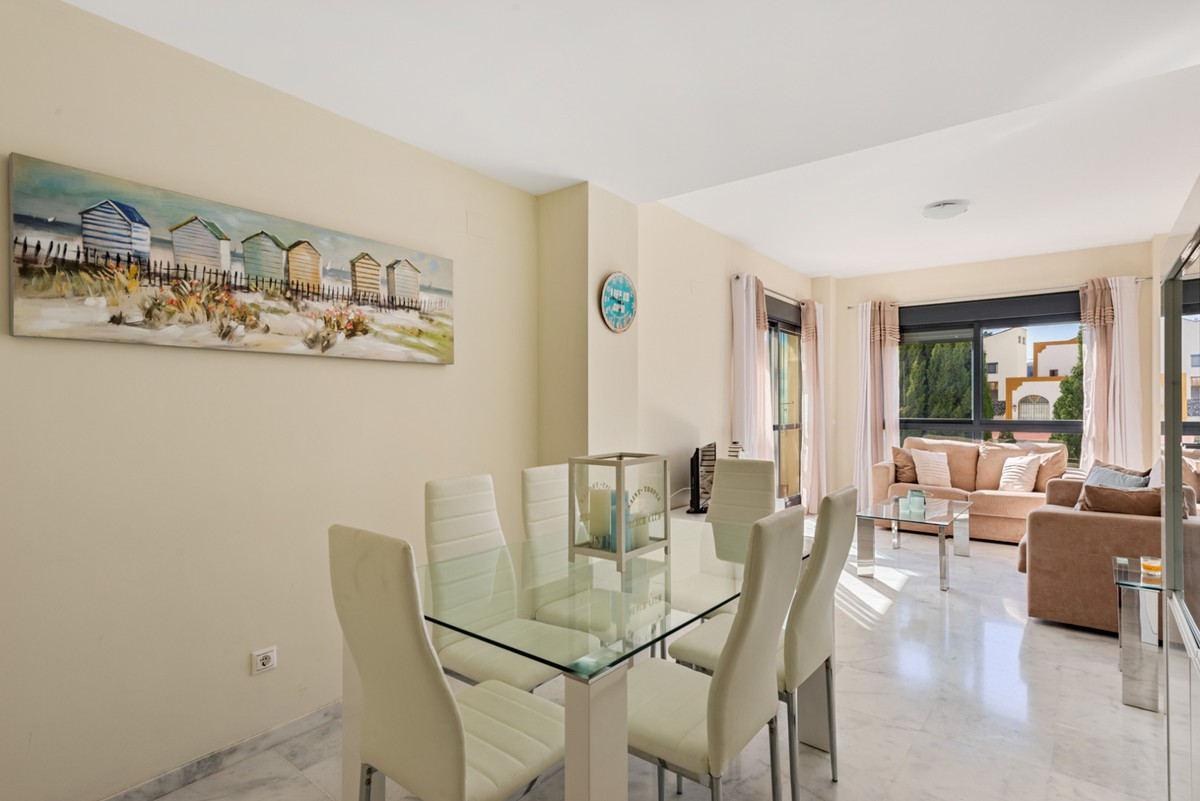 Bargain! South-Facing Beachside Apartment with Sea Views in New Golden Mile, Marbella