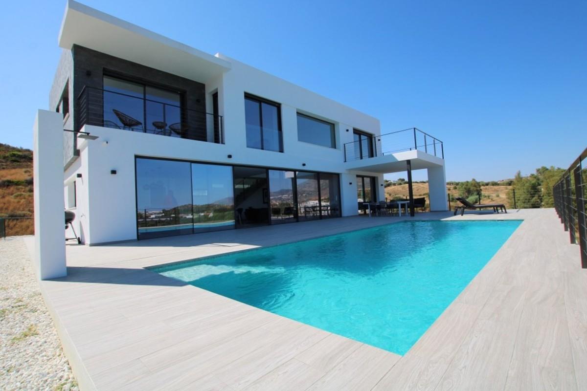 South-Facing Villa with Sea Views in La Cala Golf, La Cala de Mijas