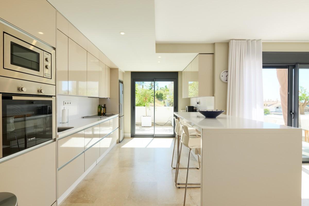 Apartment with Sea Views in Estepona
