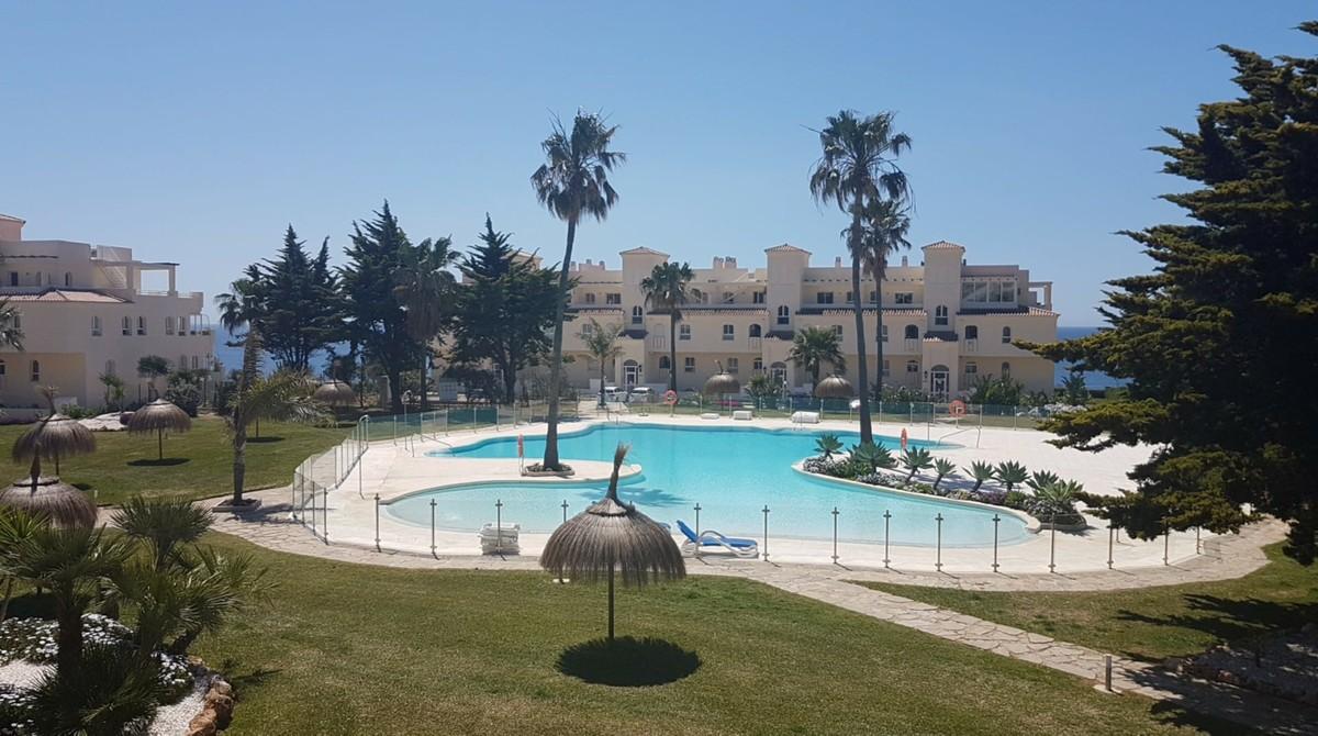 South-Facing Apartment with Sea Views in La Cala de Mijas