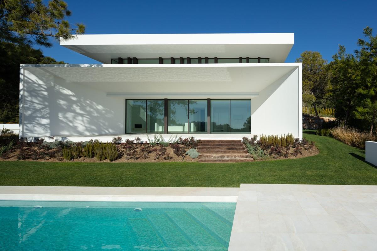 South-Facing Villa with Sea Views in Benahavís