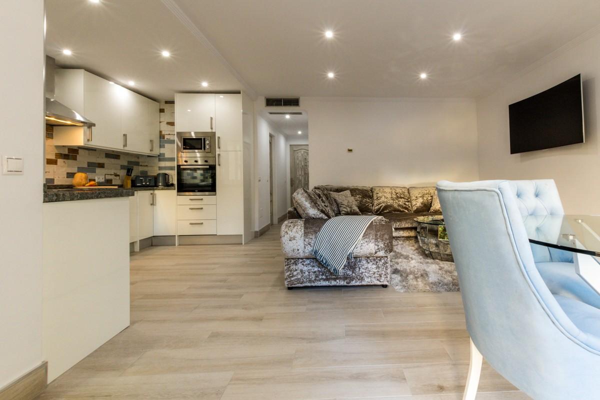 Ground Floor Apartment with Pool in Nueva Andalucía, Marbella