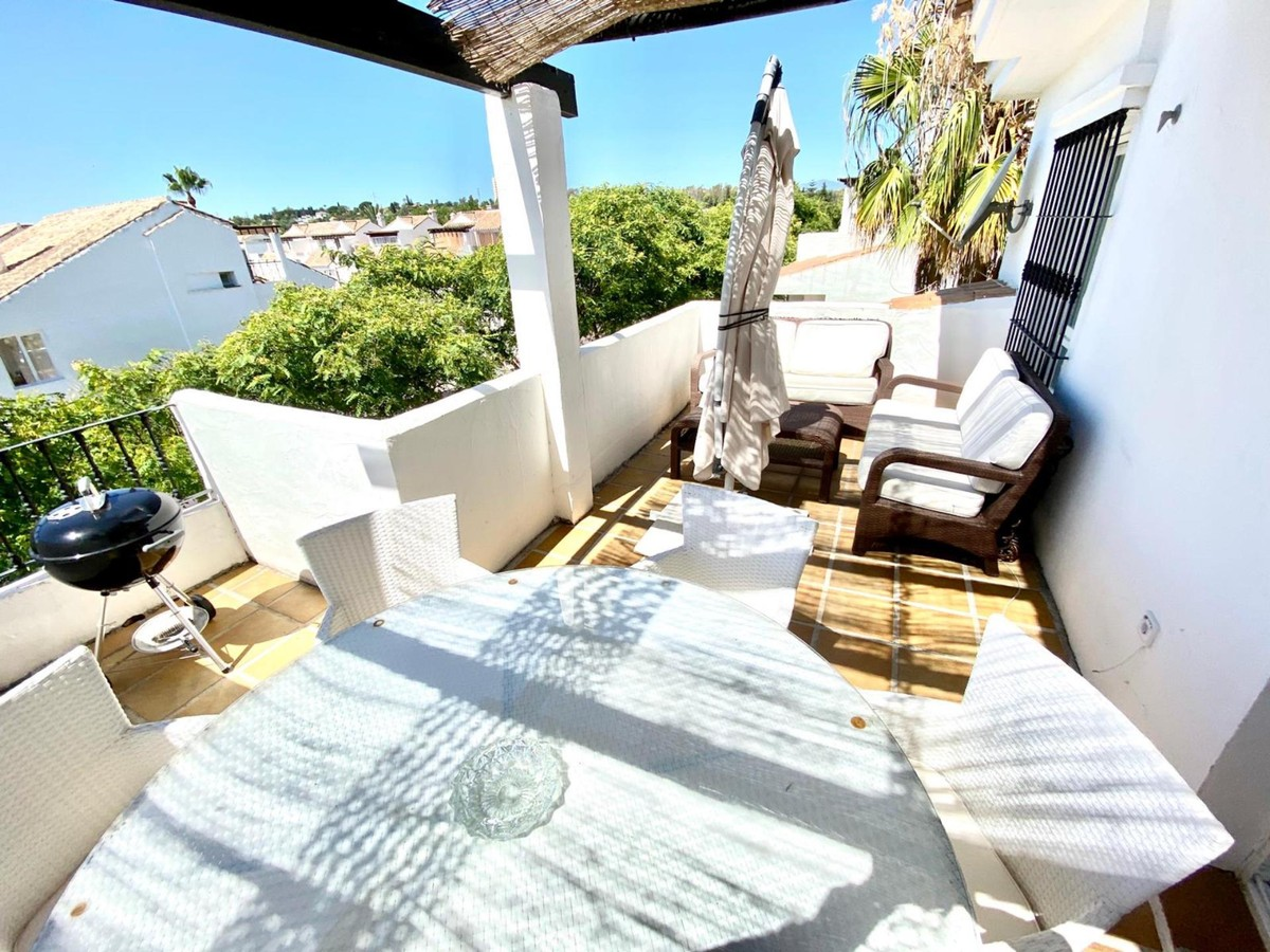 Golf Penthouse with Pool  in Nueva Andalucía, Marbella