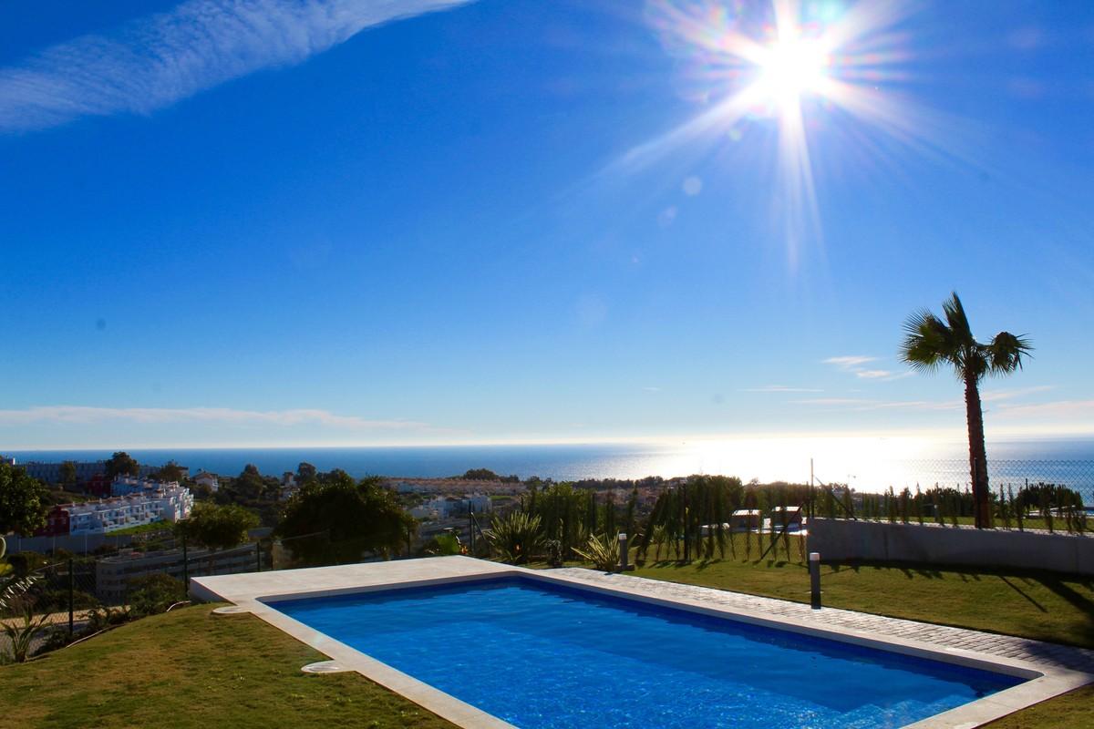 Detached Villa with Sea Views in Manilva