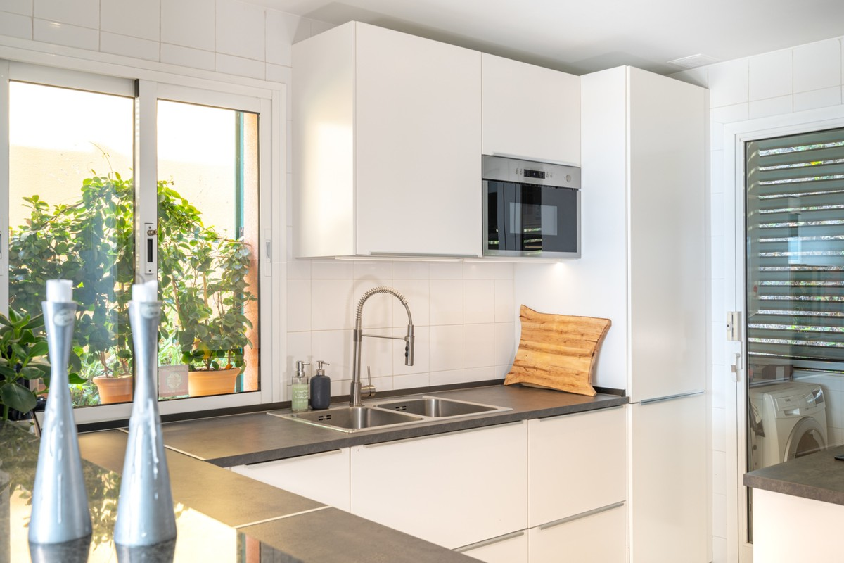 INVESTMENT Opportunity! Luxury Townhouse with Sea Views in Benalmádena Costa