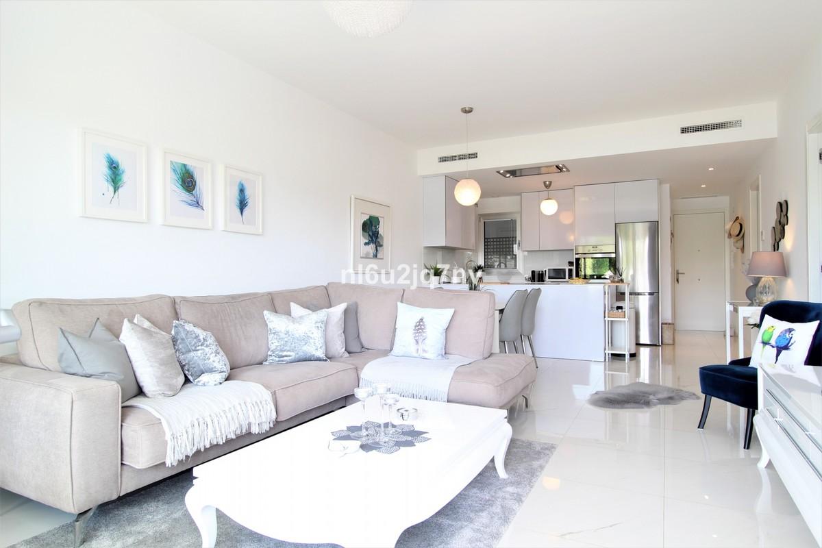 BARGAIN!  Luxury Ground Floor Apartment with Pool  in New Golden Mile, Estepona