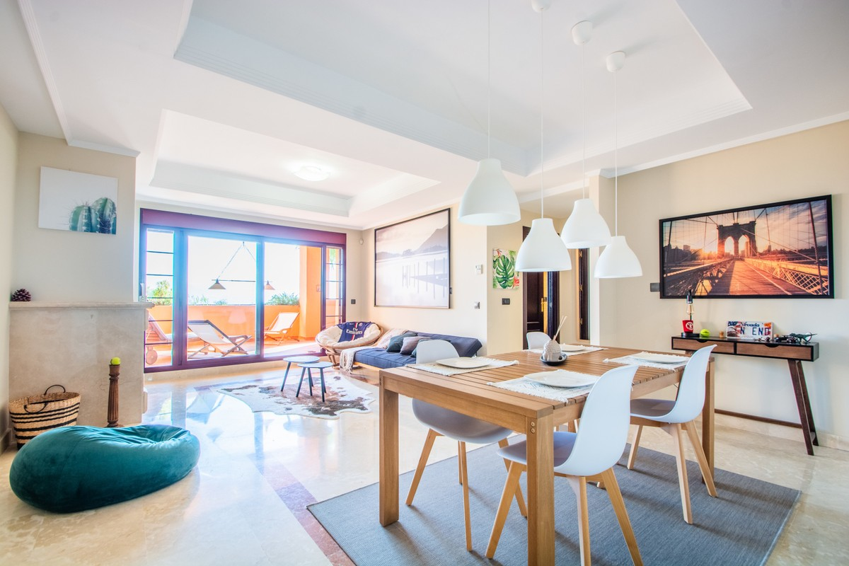 Luxury Golf Middle Floor Apartment with Sea Views in La Mairena, Ojén