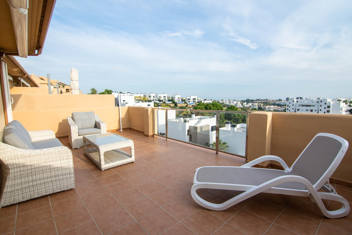 Penthouse with Sea Views in Estepona