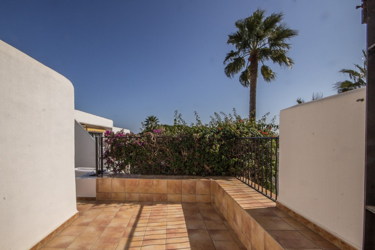 INVESTMENT Opportunity! Golf Townhouse with Sea Views in Cabopino, Marbella
