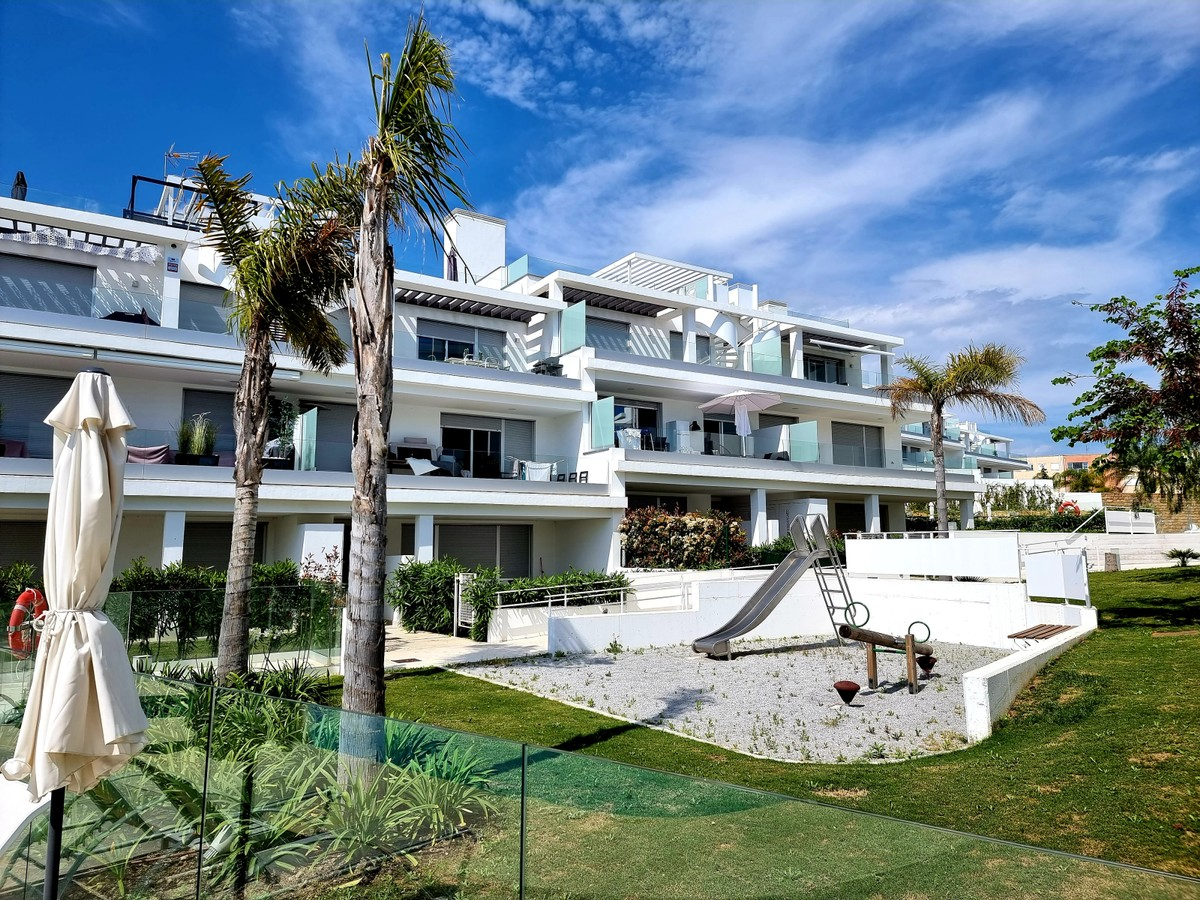 INVESTMENT Opportunity! Luxury Ground Floor Apartment with Sea Views in Estepona