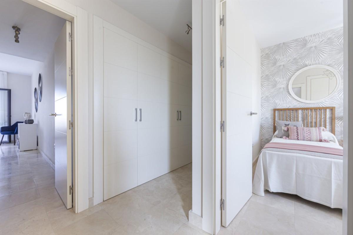 Contemporary Golf Ground Floor Apartment with Sea Views  in Benahavís