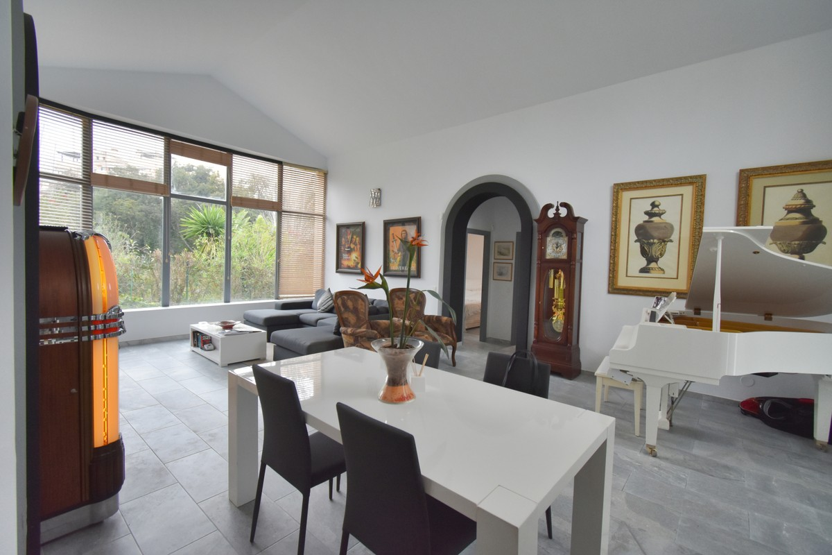 INVESTMENT Opportunity! Luxury Detached Villa with Pool in Elviria, Marbella