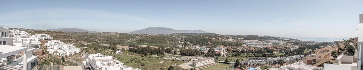 Large Luxury Golf Penthouse with Sea Views in La Cala de Mijas
