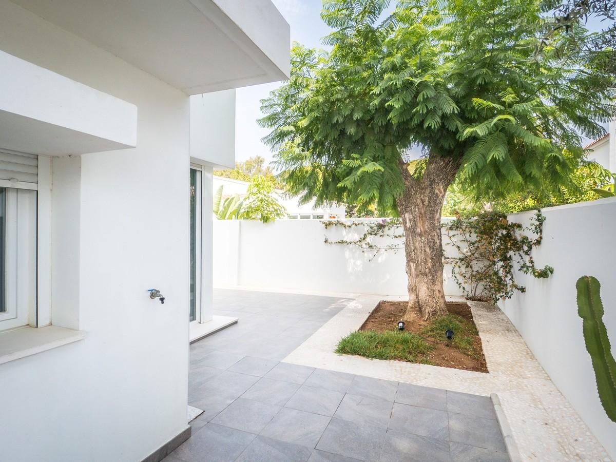Luxury Detached Villa with Sea Views in Marbella