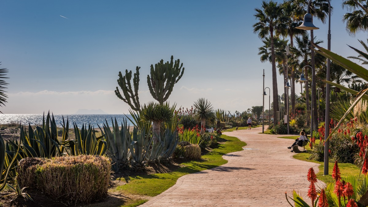 INVESTMENT Opportunity! Luxury Beachfront Penthouse with Sea Views in Estepona