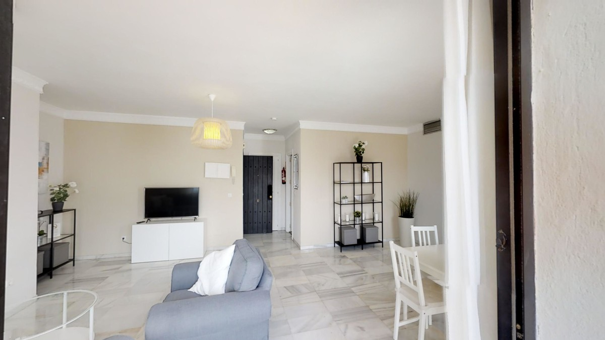 Penthouse with Pool in Puerto Banús, Marbella