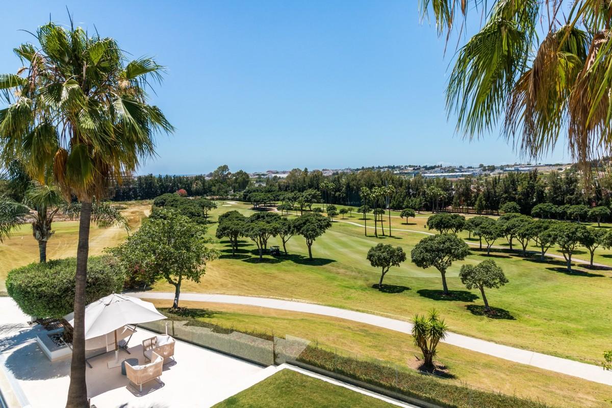 Large Golf Detached Villa with Sea Views in Nueva Andalucía, Marbella