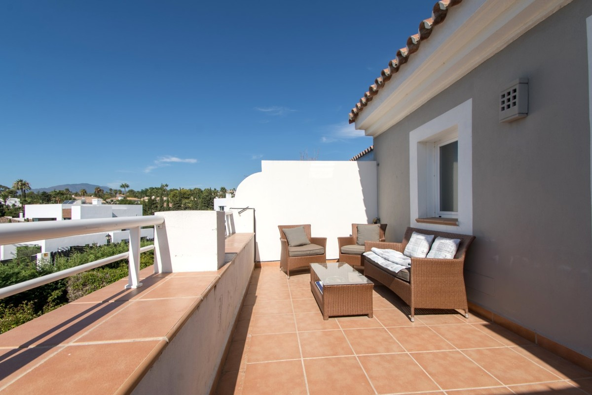 Luxury Townhouse with Pool in Estepona
