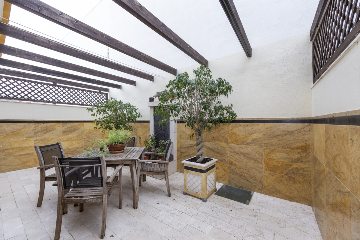 Townhouse with Pool in Estepona
