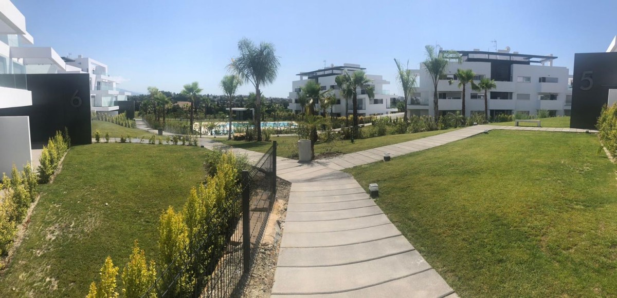 INVESTMENT Opportunity! Luxury Golf Penthouse with Panoramic Views in Estepona