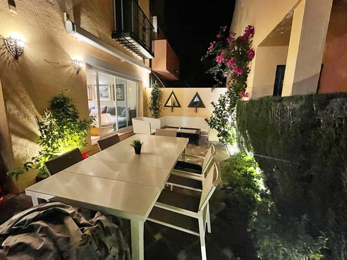 Townhouse with Pool in Nueva Andalucía, Marbella