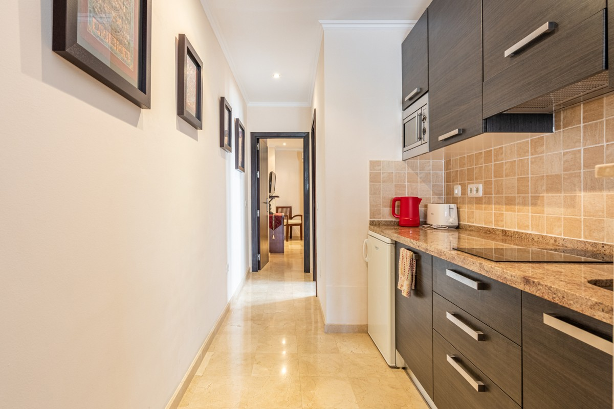 Luxury Top Floor Apartment with Pool in Marbella