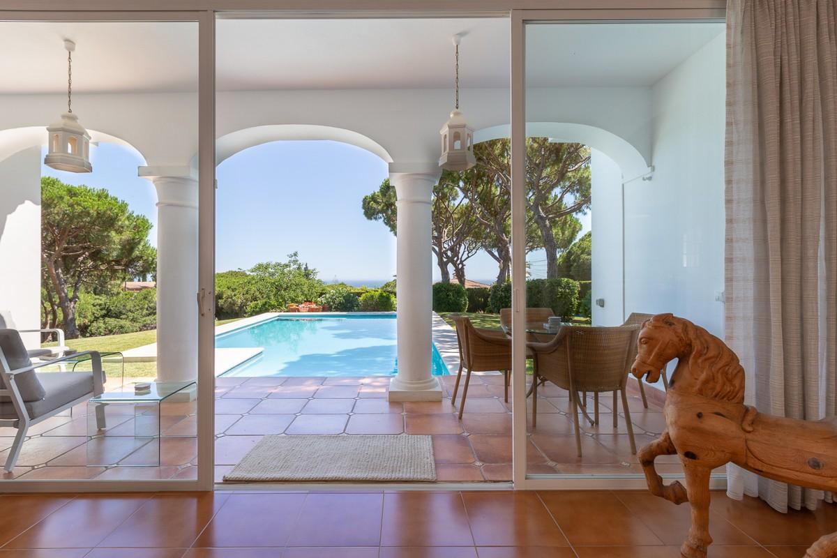 Detached Villa with Pool in Marbella