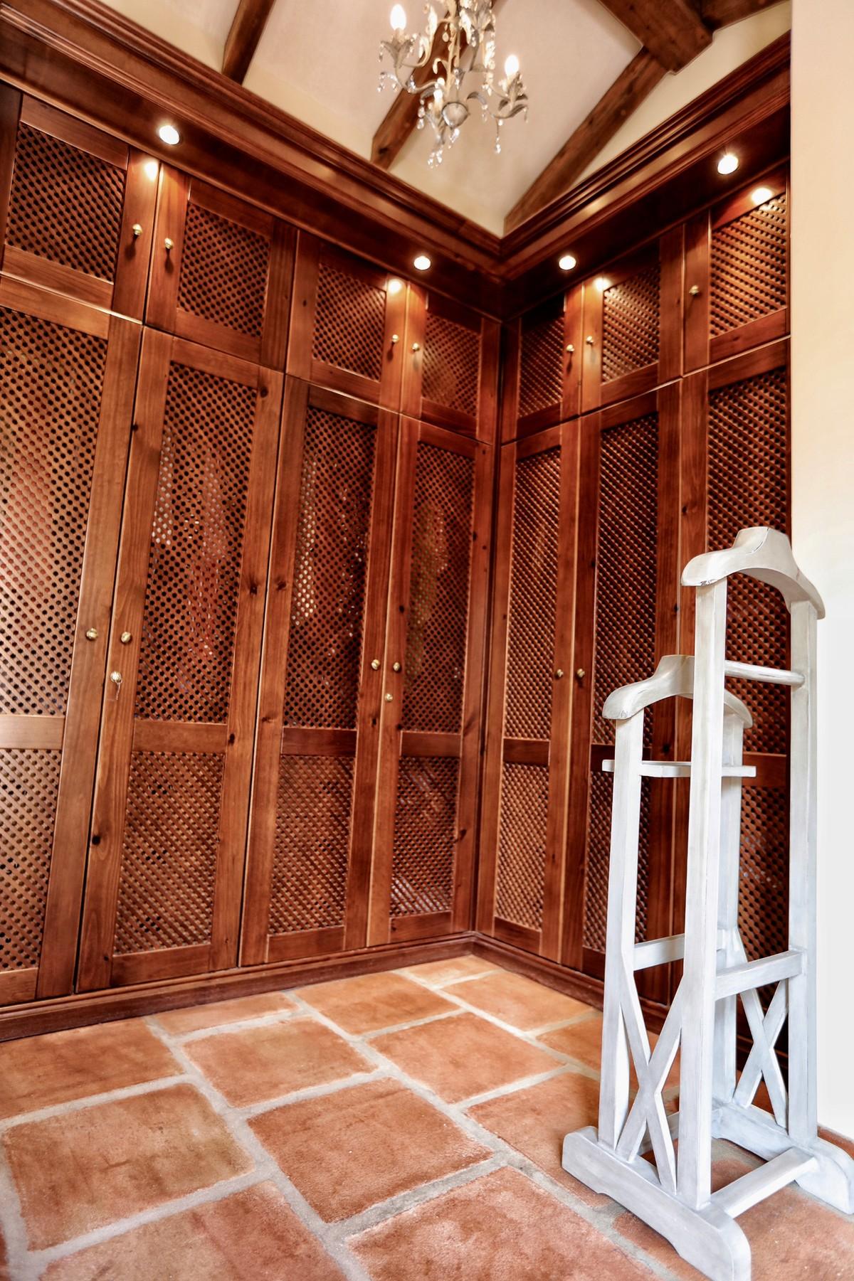 INVESTMENT Opportunity! Large Luxury Detached Villa with Sea Views in Hacienda Las Chapas, Marbella
