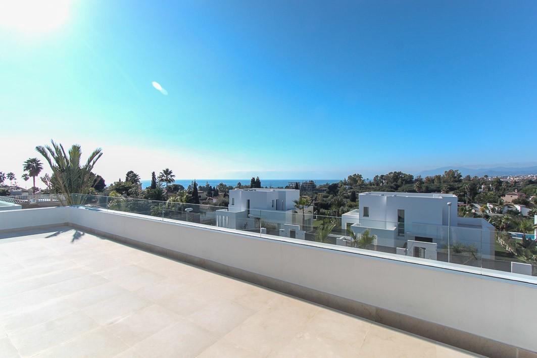 Detached Villa with Sea Views in Río Real, Málaga
